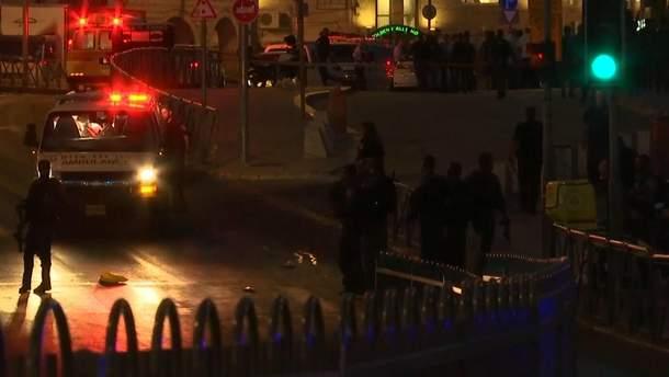 Теракт в Иерусалиме: погибла полицейская и трое пострадавших