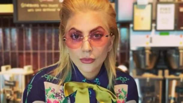 "Lady Gaga стала бариста в ""Starbucks"""