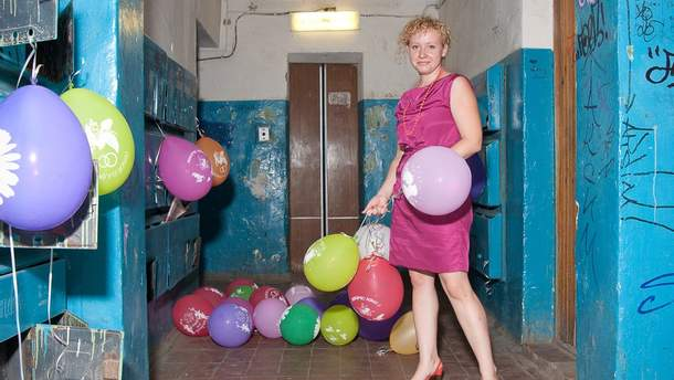 Грязные подъезды и много алкоголя: фотограф показал серию эпичных фото свадеб России
