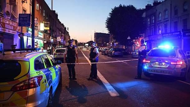 Внаслідок наїзду фургона на людей в Лондоні є загиблі