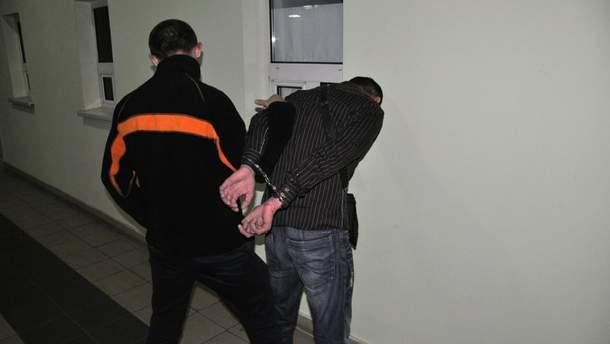 Мужчина торговал украинками