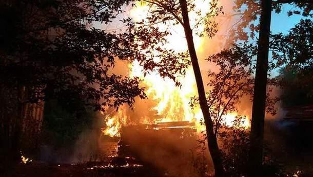 Фото пожара на территории студии Довженко в Киеве