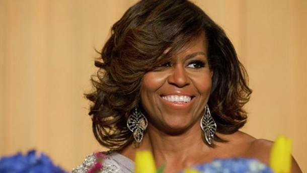 Мішель Обама тренувалась в парку та закликала долучатись до неї