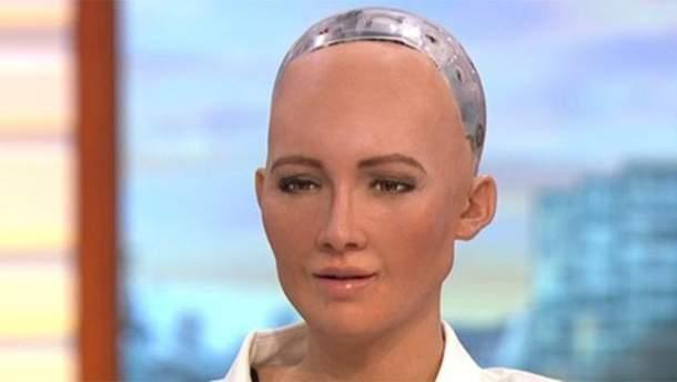 Людиноподібний робот дала інтерв'ю у ранковому шоу