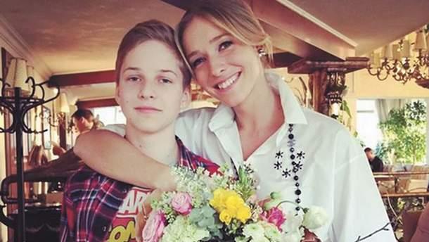 Катя Осадча опублікувала зворушливе фото з дорослим сином