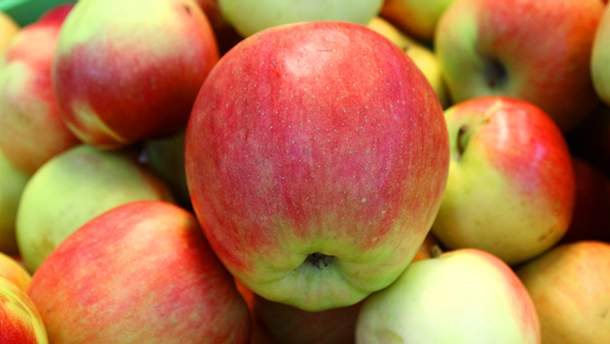 Яблоки очищают организм