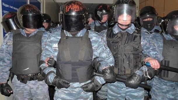 """Экс-бойцы """"Беркута"""" теперь разгоняют митинги в Беларуси"""