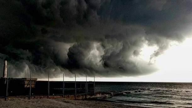 Сильный ураган прокатился над Одессой