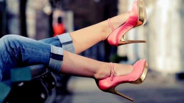 Почему мужчинам нравятся женщины на каблуках