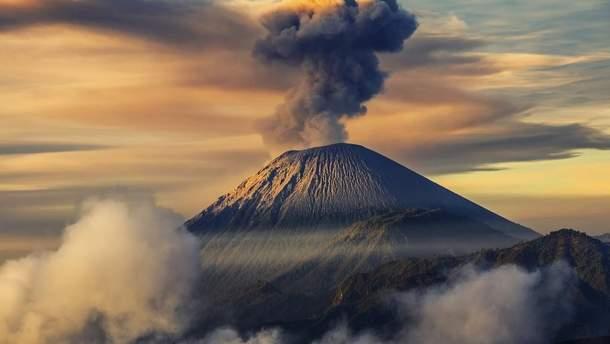 Штучных вулкан нашли в Перу