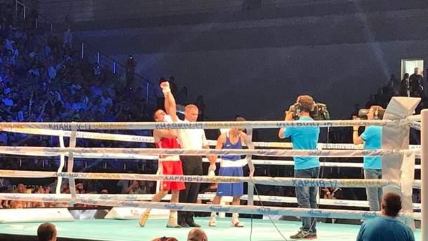 Украинский боксер победил на ринге россиянина (Фото с поединка)