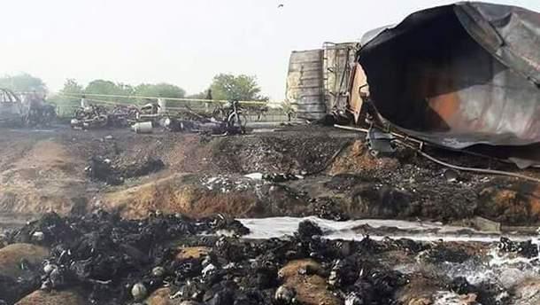 В Пакистане загорелся бензовоз: в пожаре погибли более сотни человек