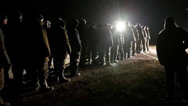 В плену боевиков находится 128 украинцев