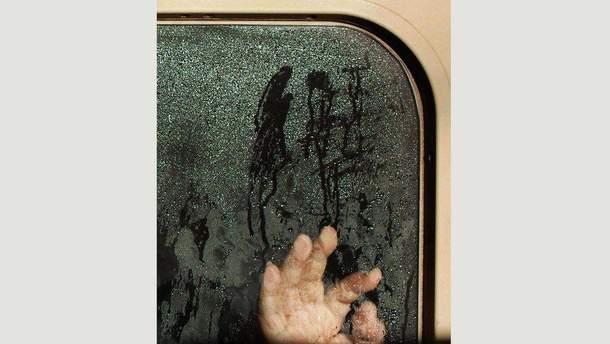 Справжній фільм жахів: фотограф зняв пасажирів у токійському метро