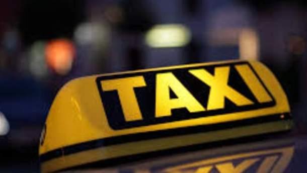 Такси будут ездить с новыми номерами