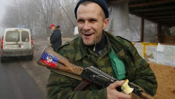 """Боевики """"ДНР"""" создали схему для вымогательства денег у гражданских"""
