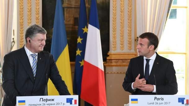 Французькі медіа майже не висвітлювали зустріч Порошенка і Макрона