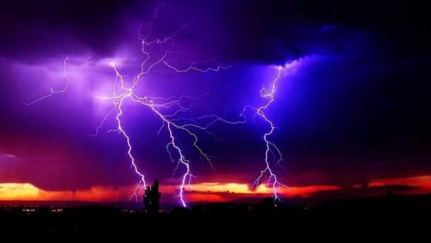 Как уберечься от молнии во время грозы