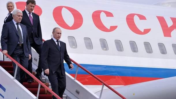 У Путіна пояснили, чому його літак зробив