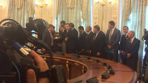 Председатель ГПСУ Назаренко упал в обморок во время выступления Лукашенко
