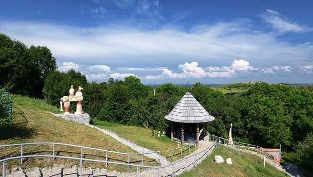 Селище Опішне на Полтавщині