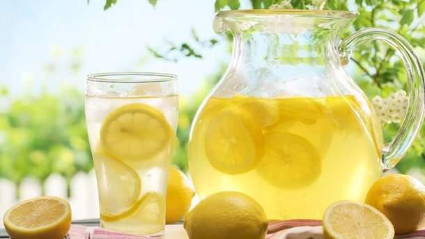 П'ятирічну дівчинку з Лондону оштрафували за продаж лимонаду