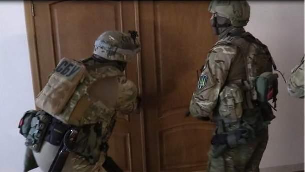 """СБУ наведалась к """"помощникам"""" террористов"""