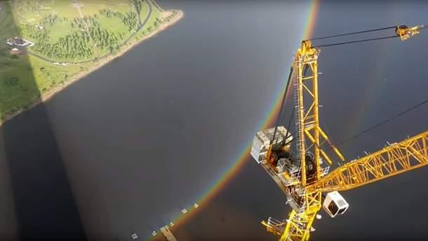 Рідкісне природне явище зняли будівельники у Росії