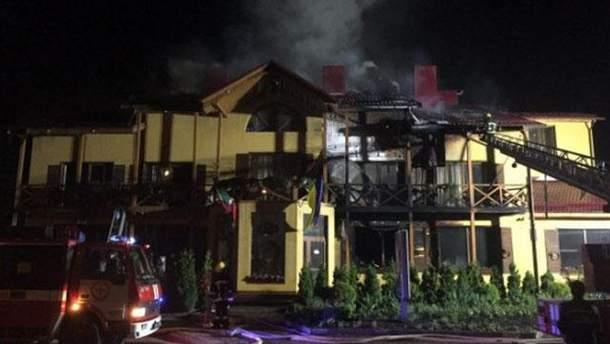 У Луцьку горить готель