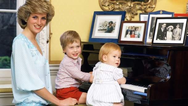 Принцесса Диана с сыновьями-принцами Уильямом и Гарри