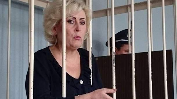 Неля Штепа у зале суда