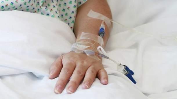 13 людей потрапили в лікарню з отруєнням
