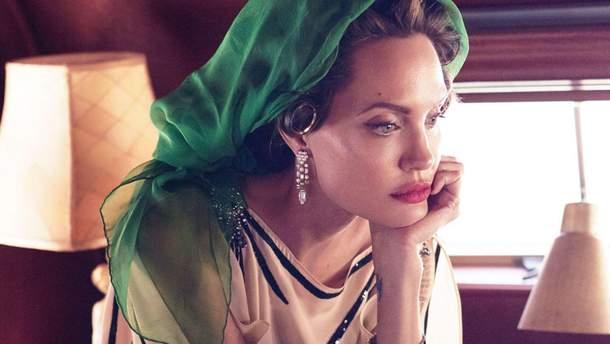 Анджелина Джоли в центре скандала