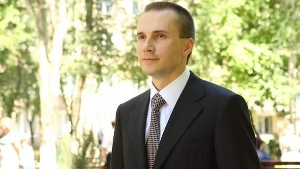 Сын Януковича подал в суд