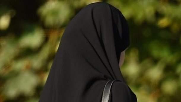 Мусульманка відсудила 85 тисяч доларів