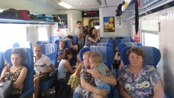 Потяг Одеса – Дарниця: пасажири змушені їхати стоячи
