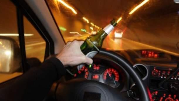 П'яний водій за кермом