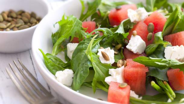 Рецепт салату з кавуна і фети