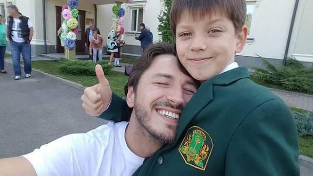 Сергій Притула разом із сином на День знань 2017