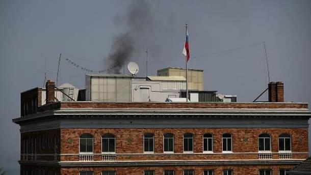 У Сан-Франциско  над будівлею консульства РФ бачили чорний дим