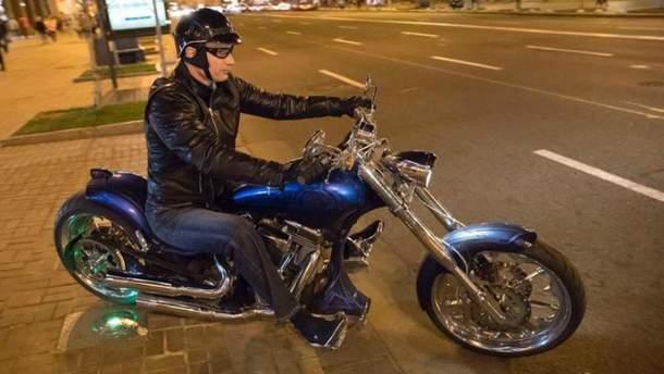 Мэр Киева Виталий Кличко катался по ночному Киеву