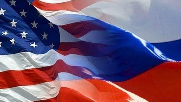 Російських допломатів, які покинули США, нагородять на батьківщині