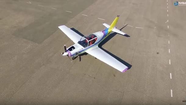"""Новий літак Y1 """"Дельфін"""" готовий до польотів"""