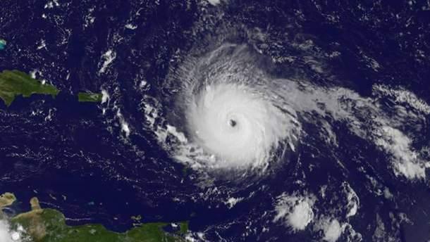 """Ураган """"Ирма"""" из космоса, который идет на Флориду"""