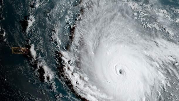 Лютує ураган