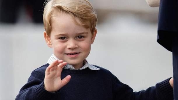 Принц Джордж пошел в школу