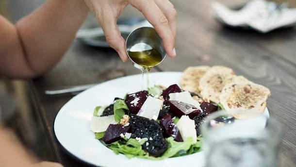 Ужинайте овощным салатом