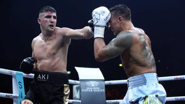 Хук демонстрував брудний і грубий бокс проти Усика