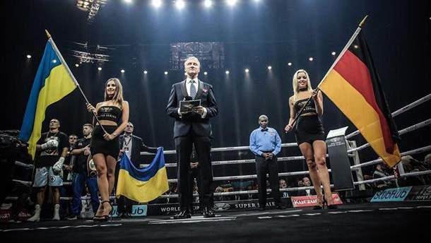 Олександр Усик також співав гімн України