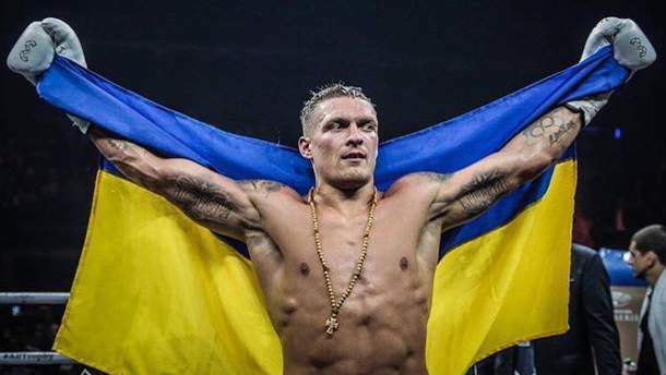 З'явилось фото Усика з роздягальні у компанії відомої українки